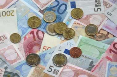 Euro turns weak on German political uncertainty