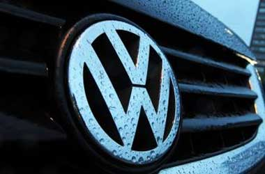 VW offers 6-yr warranty to gain US customers trust